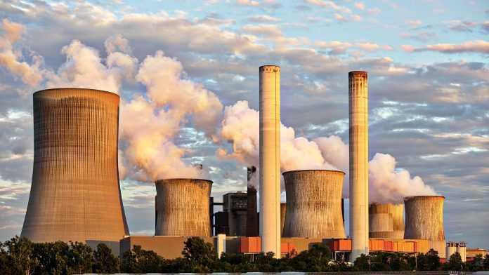 На промышленных предприятиях устанавливают специальные фильтры для очистки воздуха