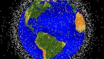 Что такое космический мусор и методы борьбы с ним