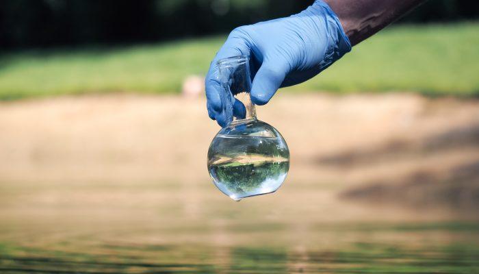 Основные виды загрязнения воды: бактериальное, механическое, химическое