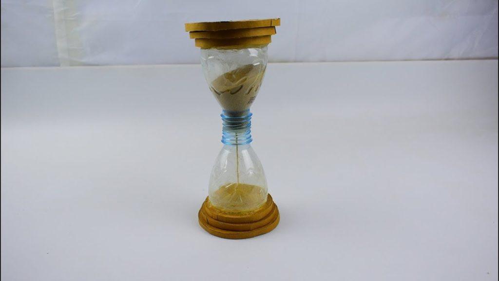 Песочные часы из пластиковых бутылок